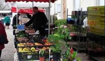 Tous les 2ème dimanche du mois,  marché de producteurs à Chaussy. un